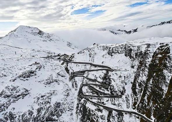 lodowce-we-włoszech-Winter-Event-Passo-Stelvio-zdj2